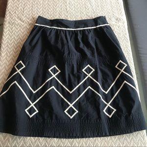 Ann Taylor loft black and white midi skirt sz 10